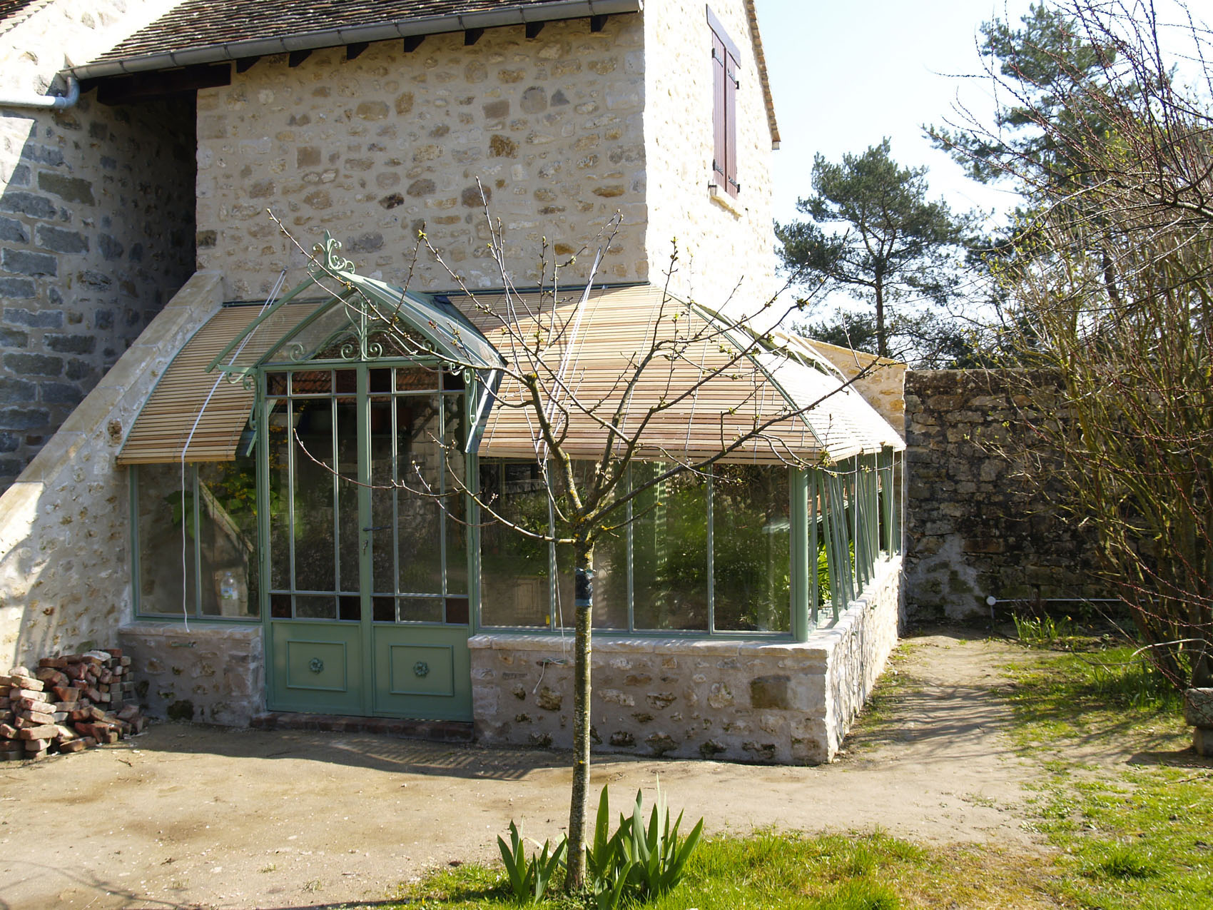 Lean-to greenhouses | Serres et Ferronneries d\'Antan